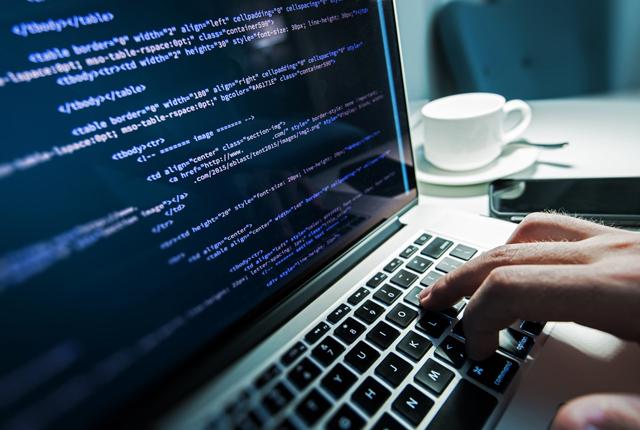 Học lập trình web bắt đầu từ đâu